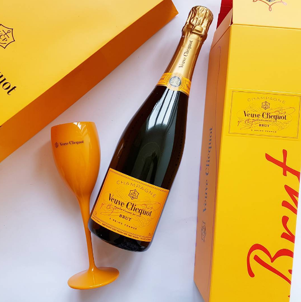 Thankyou Kathryn Wilson for the delivery of Veuve Clicquot to toast tonight's Queenstown @kwfootwear show, Clicquot In The Snow!