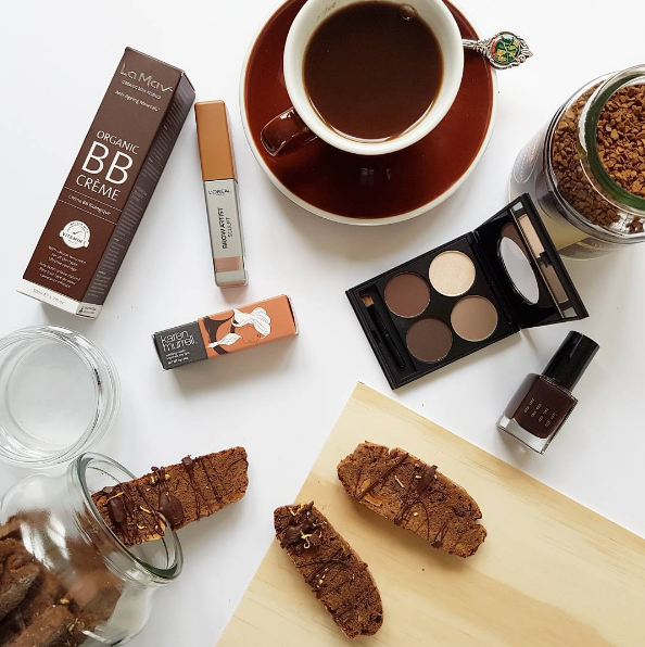 Cool colours in coffee! La Mav BB Cream, Karen Murrell orchid bloom, L'Oréal Brow Artist, Ardell brow palette, Moccona whole bean coffee, Bobbi Brown nailpolish in chocolate, Acme cup, biscotti by Chef Sam Mannering.