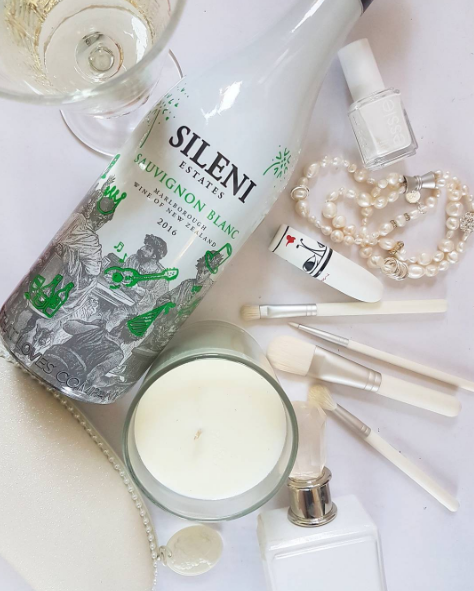 Party essentials...in white: Sileni Sauvignon Blanc, MAC brush set & lipstick, The Aromatherapy Co candle, Juicy Couture, Kagi pearls, Essie nailpolish.