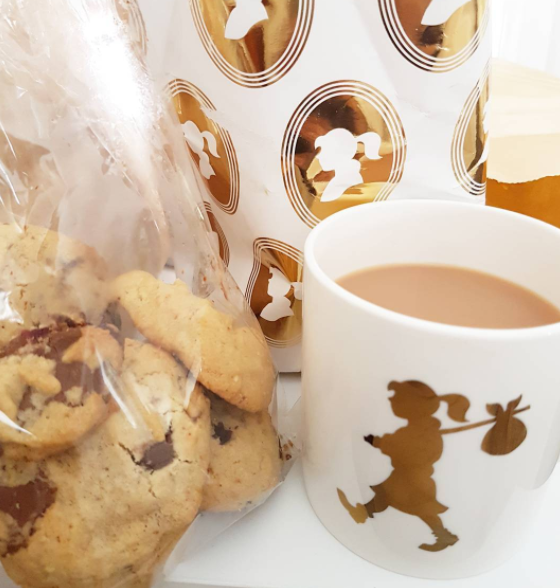 chocolate-chip-cookies-karen-walker-mug