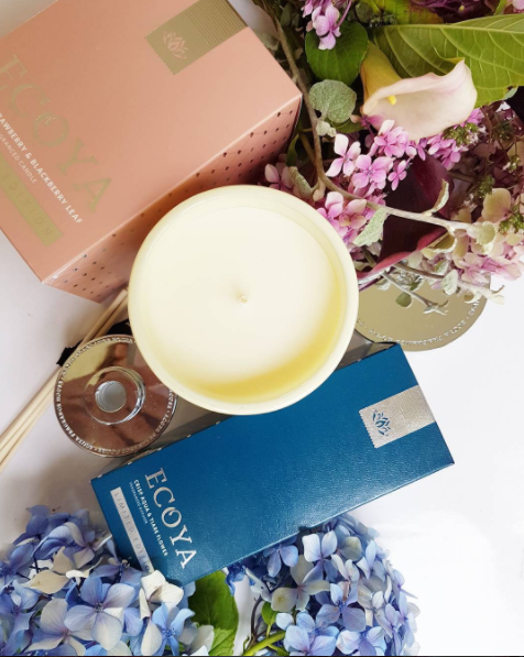 The latest limited edition releases from Ecoya are out next month in these divine vintage hues of dusky pink and teal blue. Sweet strawberry & blackberry leaf candle and Crisp Aqua & Tiare Flower mini diffuser