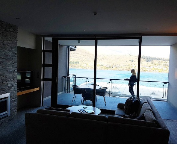 Arrived in Queenstown and it's a beautiful clear sunny crisp day. LOVING our lake view apartment at The Rees! We are guests of The Rees for my feature on Queenstown and I'll be sharing my highlights of what to do with a family and the top places to see and enjoy (and eat!)