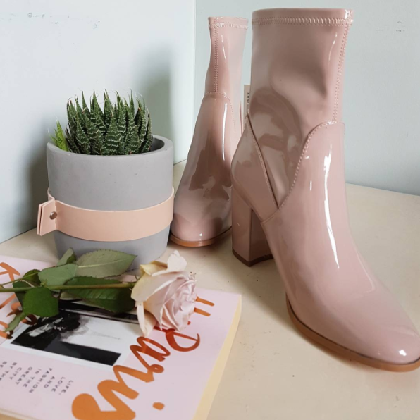 Blush boots for the win this Spring! Perfect for in between seasons when you don't want to wear black but it's too cold for sandals, a neutral ankle boot is ideal. Hoxton Boot from Number One Shoes. Also available in pale grey shortly.