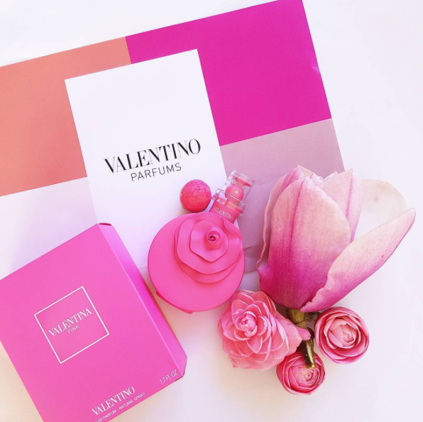 I'm wearing this beautiful floral fragrance, Valentina Pink the new eau de parfum by Valentino. Available 2nd October at Farmers, Smith & Caughey's, David Jones, and selected department stores. The fragrance is roses with strawberry.