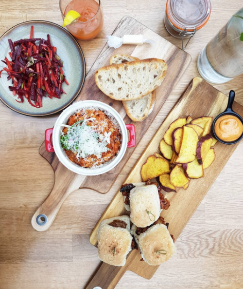 A ma zing lunch at the new cafe on Akoranga Drive (next to YMCA), The Glasshouse Cafe, with chorizo beans, raw energy beetroot salad, detox raw vege juice, and beef and Korean pork sliders with handcut kumara chips.