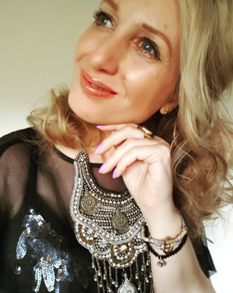 Tonight's makeup: off to Thor, lots of breastplate jewellery and sequins a la Queen of Asguard:)