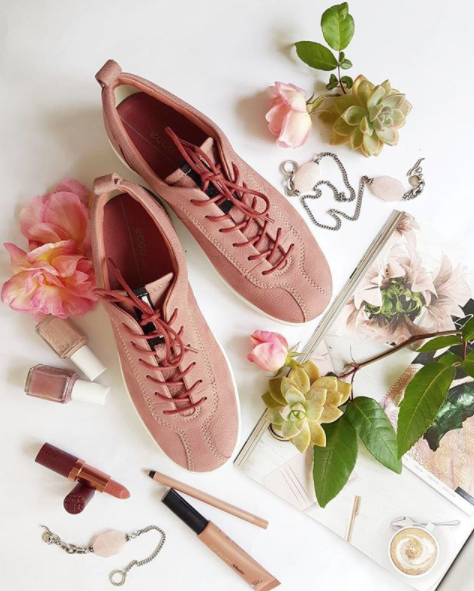 The classic eighties suede sneakers from Ecco are back- Soft1 by @eccoshoes looking pretty in pink.