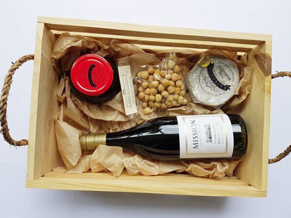 Yum! Who else loves wine and cheese? With nuts and honey? Best hamper ever, from Mission Estate winery with Marlborough artisan food producers Kaikoura Artisan Cheese, Harvest Glen roasted hazelnuts, and Fire Bees chili honey.