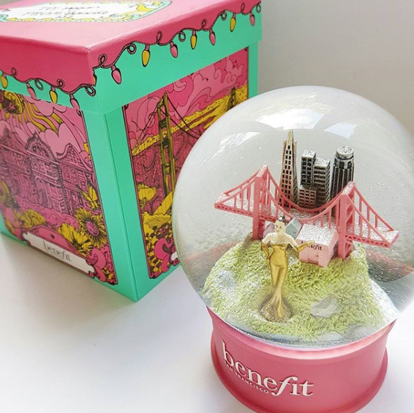 Benefit Cosmetics absolutely winning the brand Christmas gifts with this glitter snow globe of their hometown San Francisco! When you shake it, silver glitter falls on the Golden Gate Bridge and lady! This is so cool, Benefit once again you are killing it.