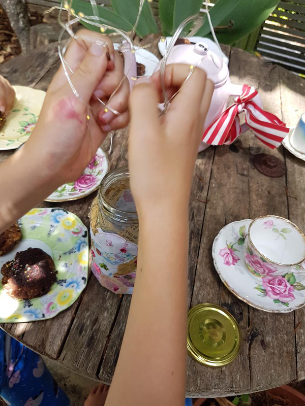 light jar craft party
